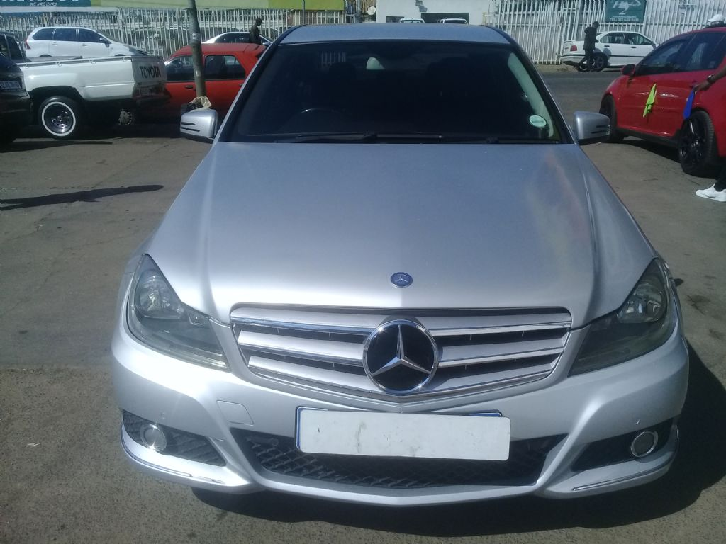 used-mercedes-benz-c-class-3048146-6.jpg