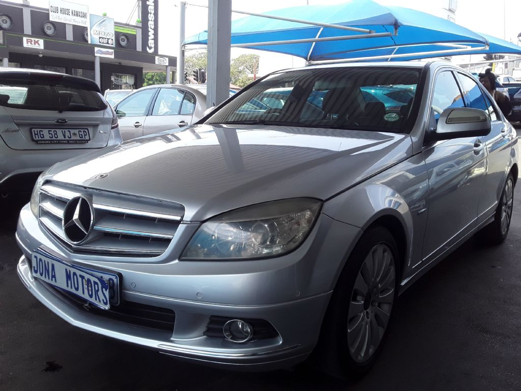 used-mercedes-benz-c-class-3056037-3.jpg