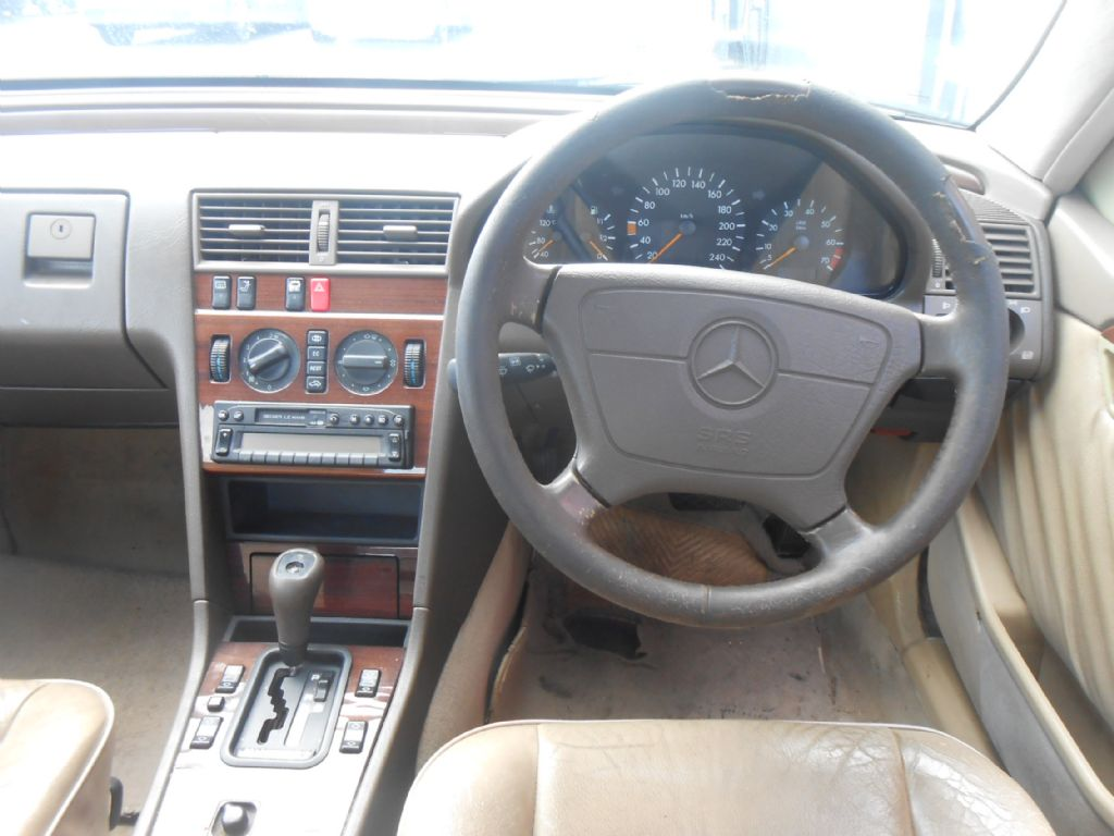 used-mercedes-benz-c-class-3061201-6.jpg