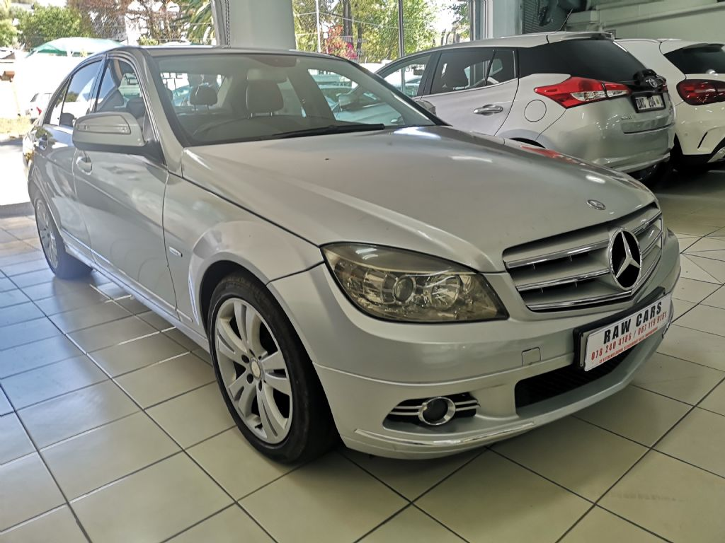 used-mercedes-benz-c-class-3092870-2.jpg