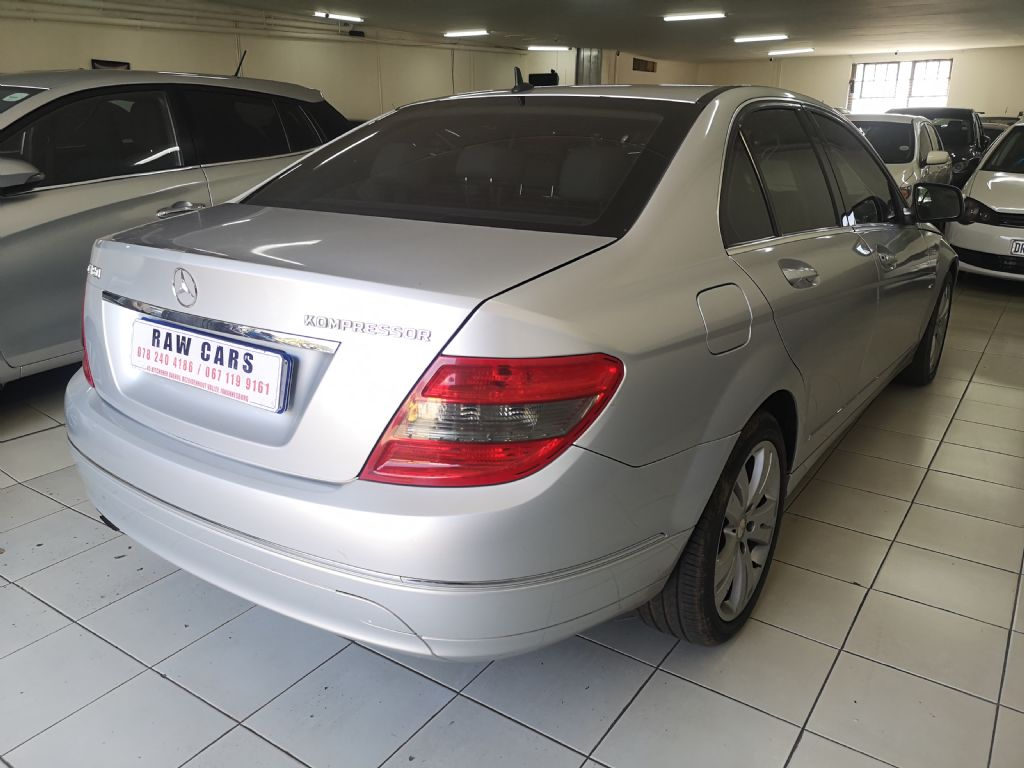 used-mercedes-benz-c-class-3092870-4.jpg