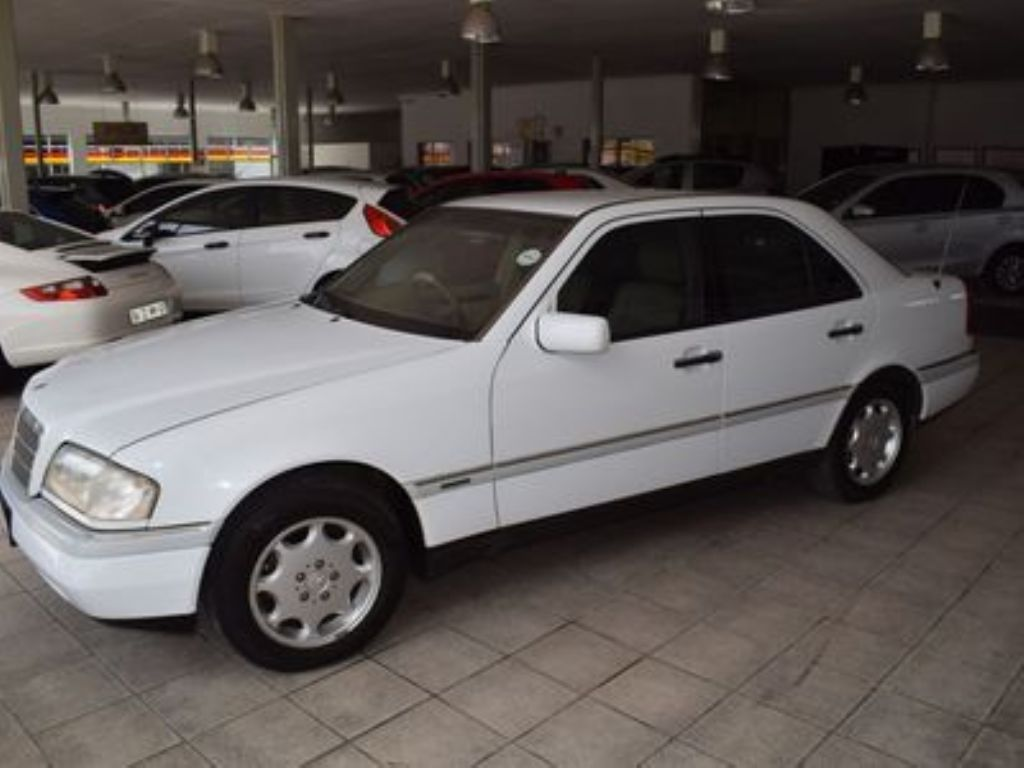 used-mercedes-benz-c-class-3149660-6.jpg