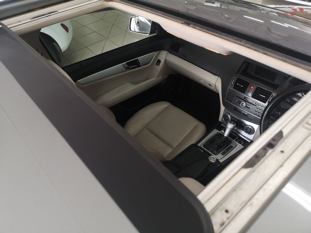 used-mercedes-benz-c-class-3197724-7.jpg
