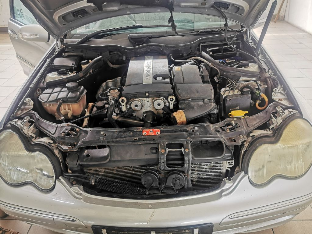 used-mercedes-benz-c-class-3223162-10.jpg