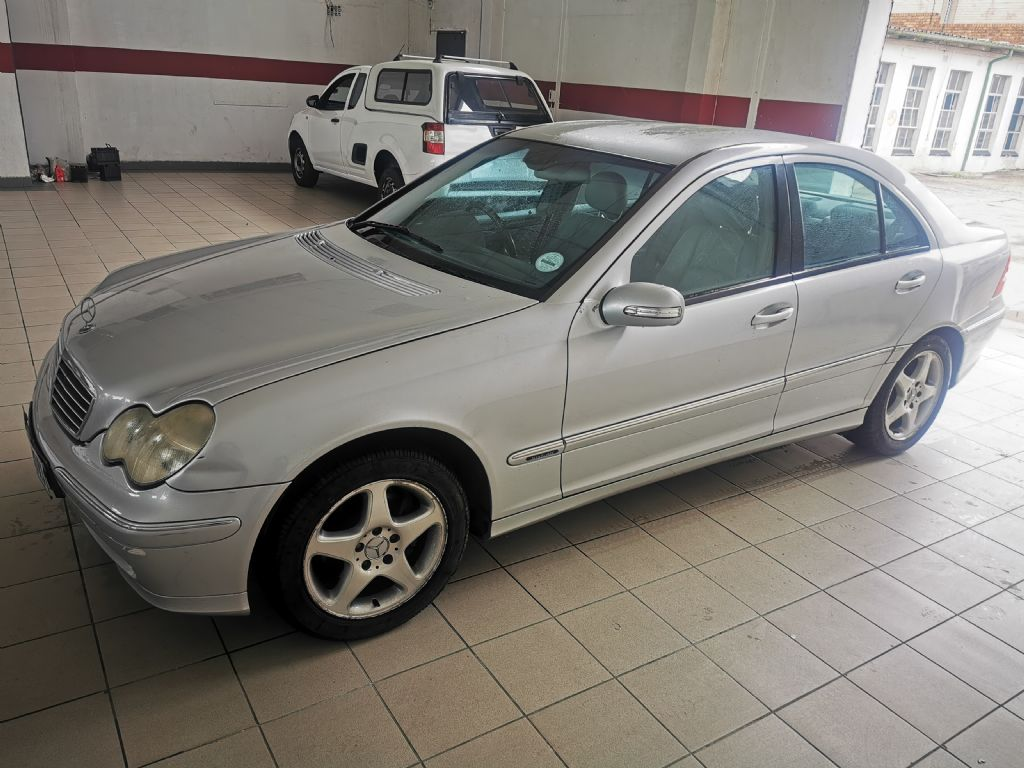 used-mercedes-benz-c-class-3223162-3.jpg