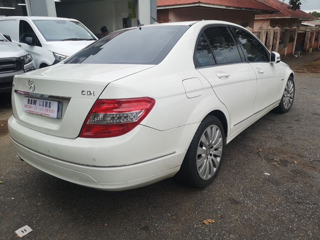 used-mercedes-benz-c-class-3232641-4.jpg