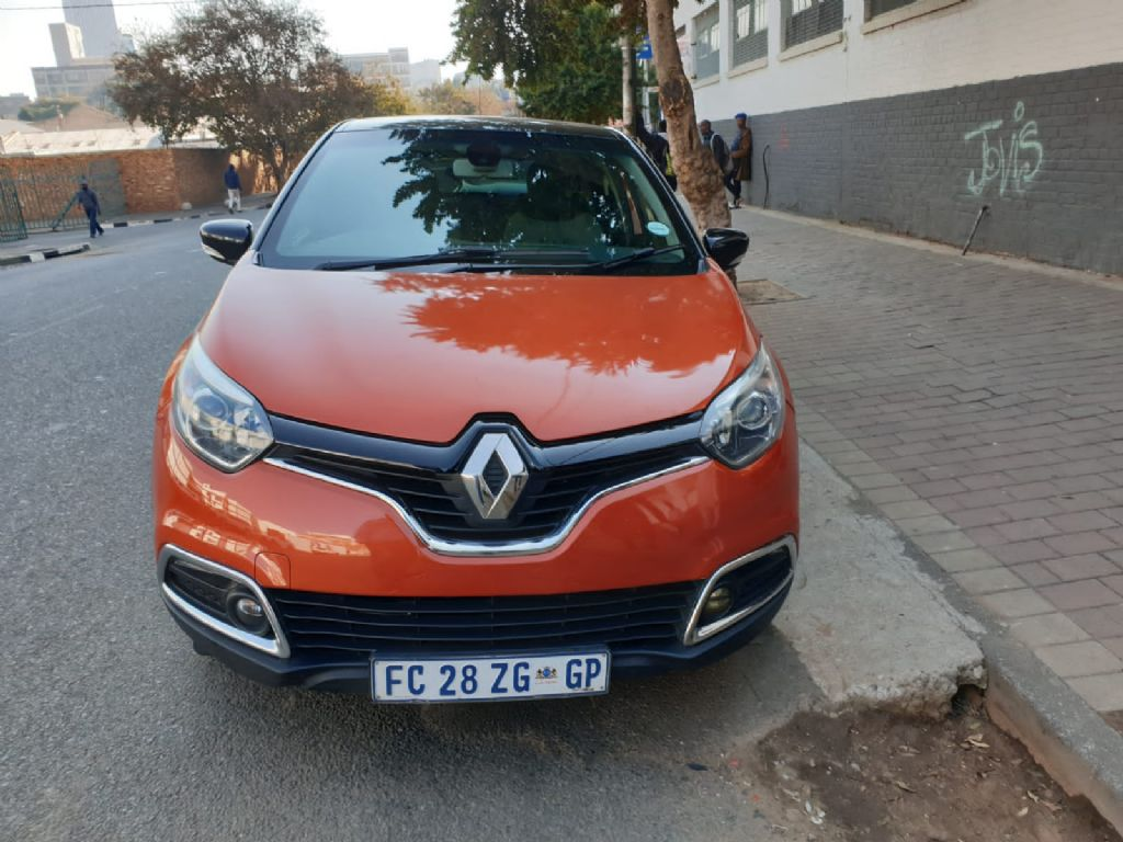 used-renault-captur-2956929-1.jpg