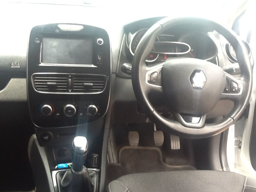 used-renault-clio-2251921-9.jpg