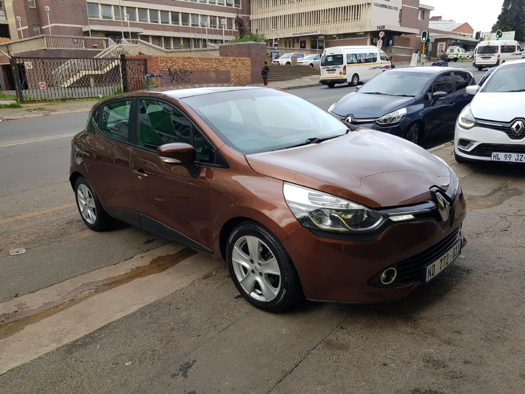used-renault-clio-2716641-1.jpg