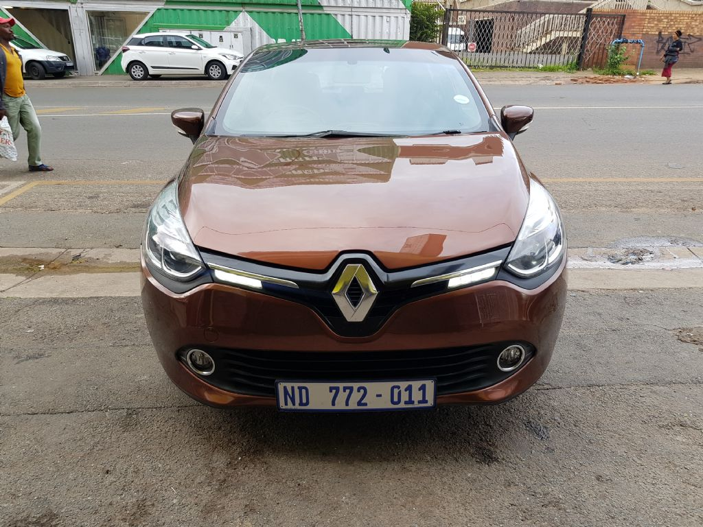 used-renault-clio-2716641-3.jpg