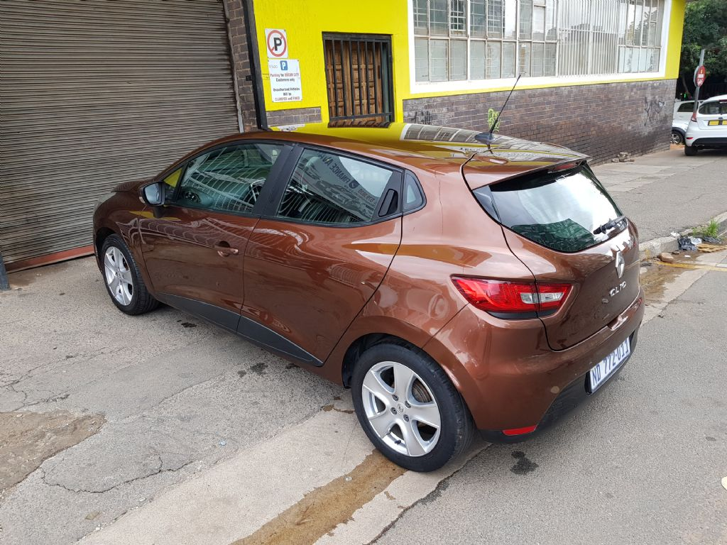 used-renault-clio-2716641-6.jpg