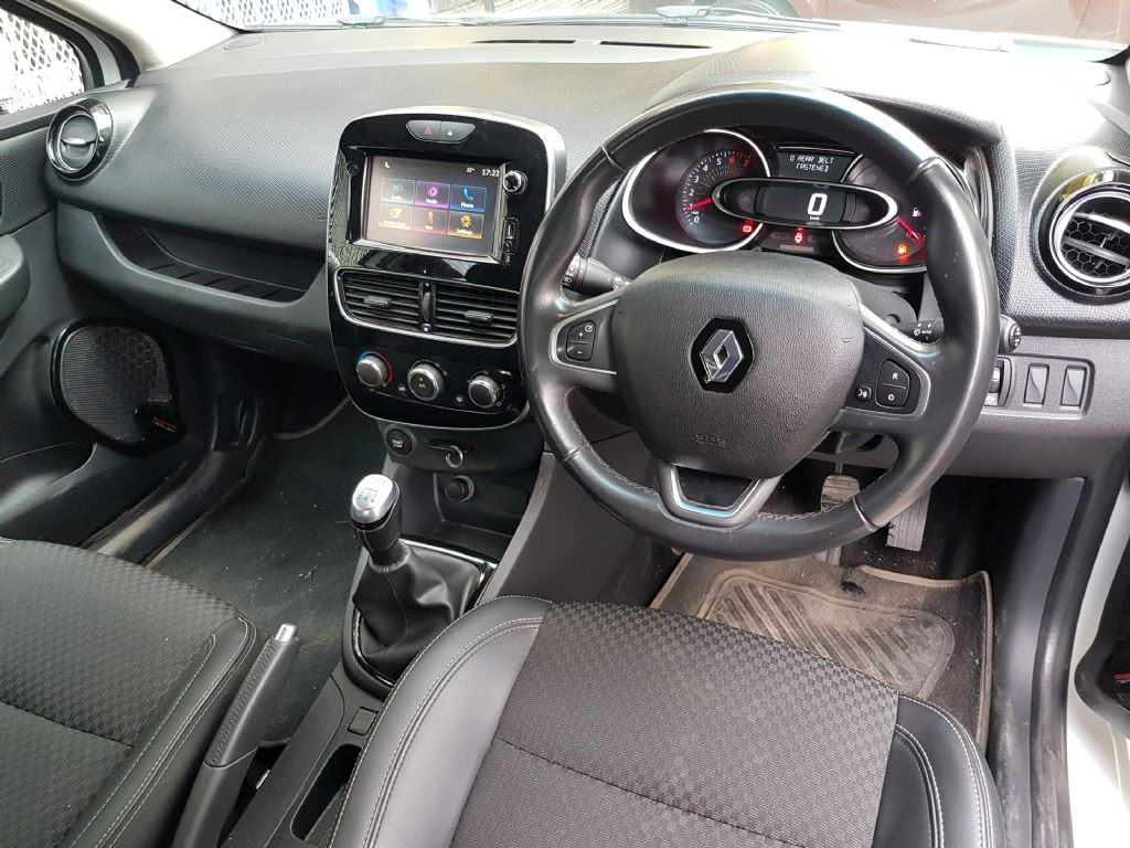 used-renault-clio-2716641-7.jpg