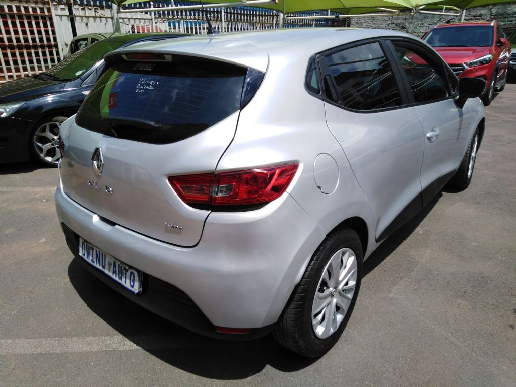 used-renault-clio-2839052-5.jpg
