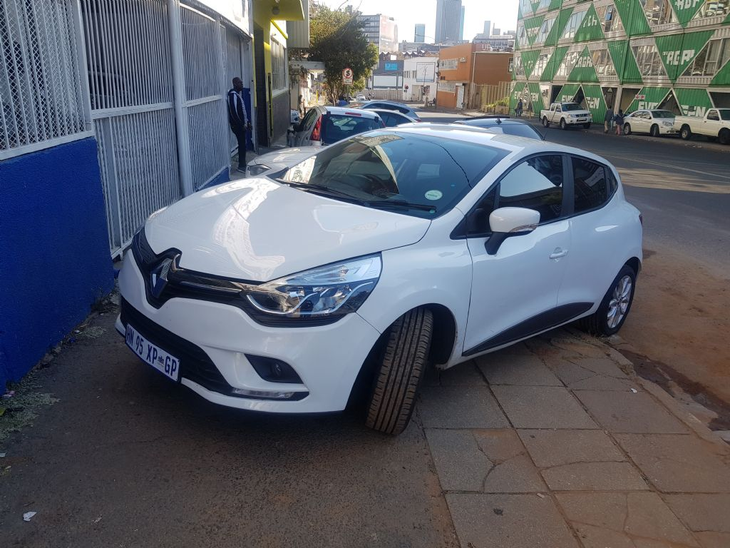 used-renault-clio-2907985-4.jpg