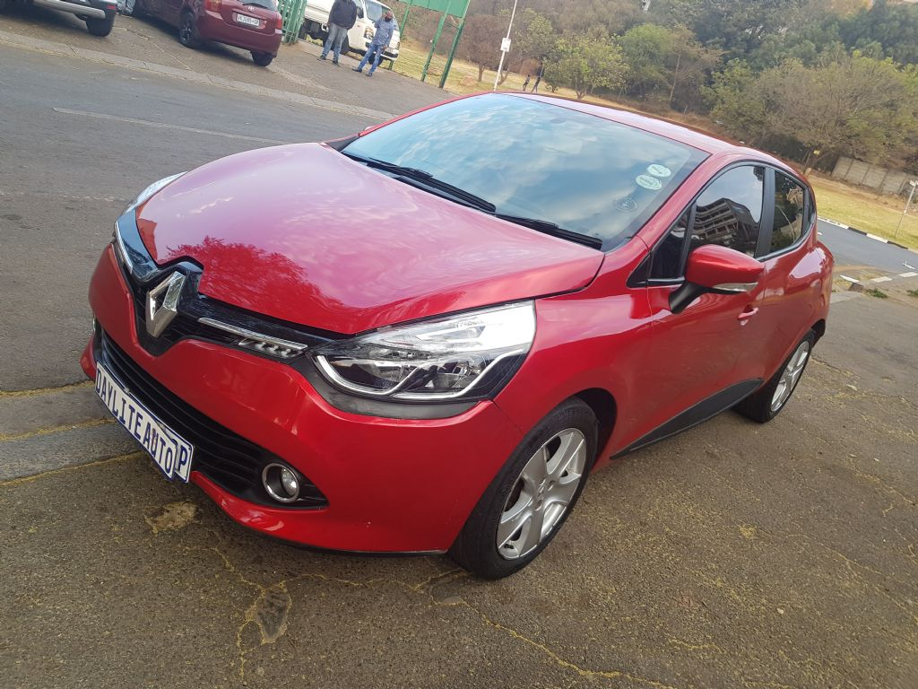 used-renault-clio-3073632-2.jpg