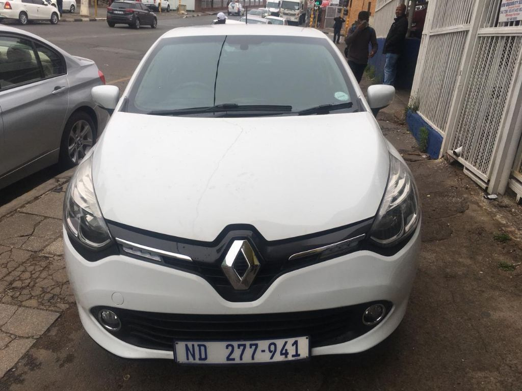 used-renault-clio-3098991-2.jpg