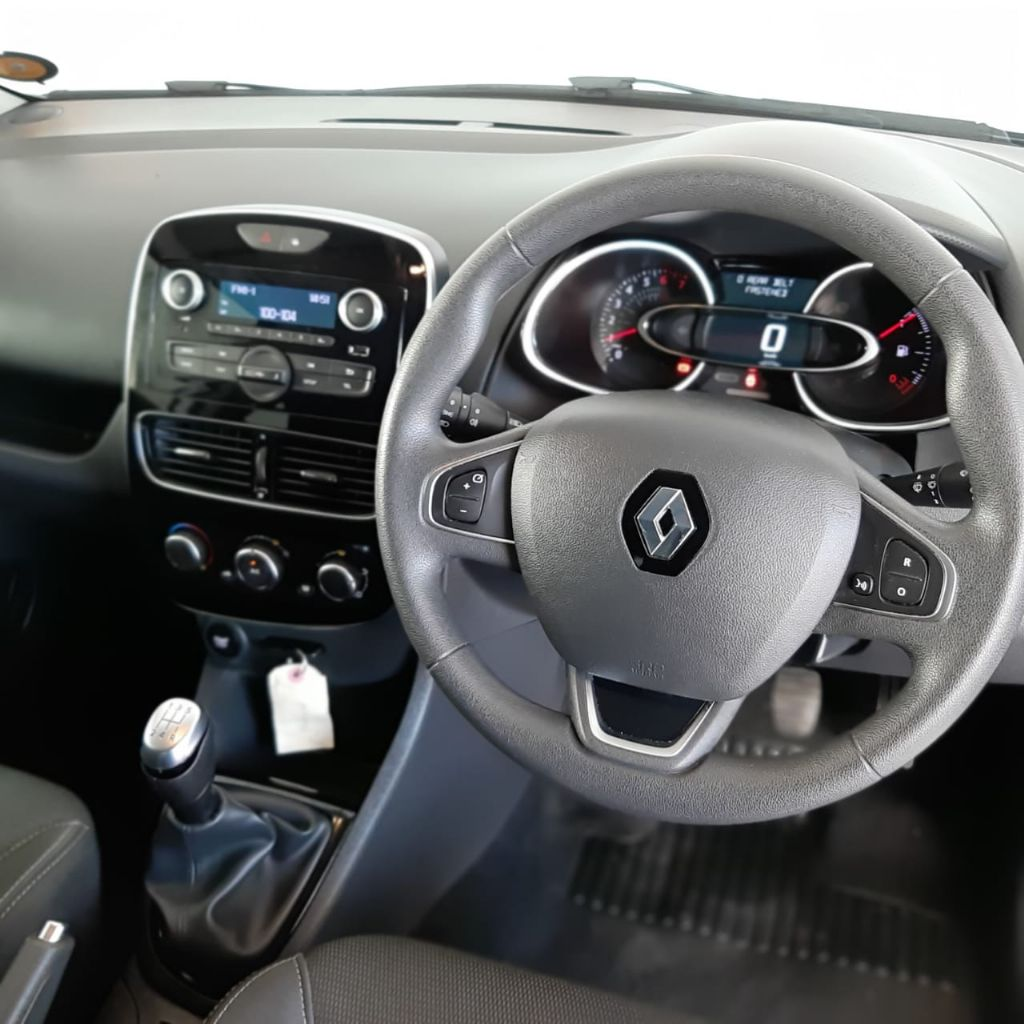 used-renault-clio-3118498-10.jpg