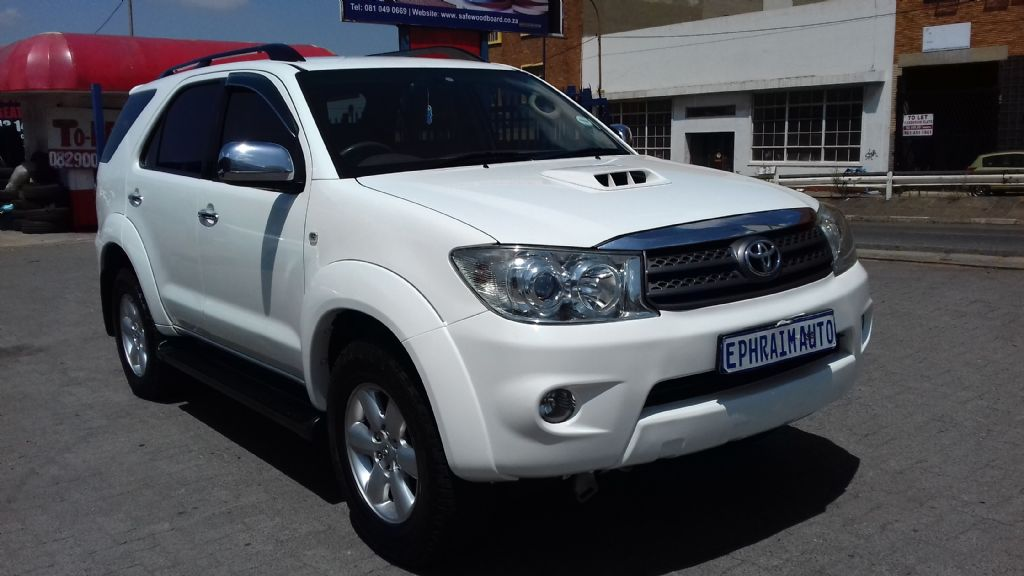 used-toyota-fortuner-2722898-1.jpg