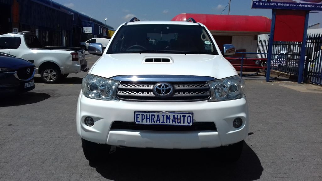 used-toyota-fortuner-2722898-2.jpg