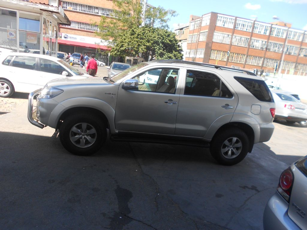 used-toyota-fortuner-2753226-3.jpg