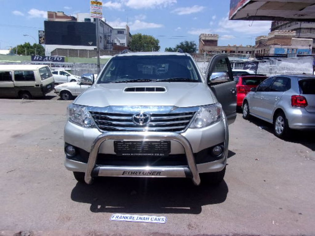 used-toyota-fortuner-2761376-8.jpg