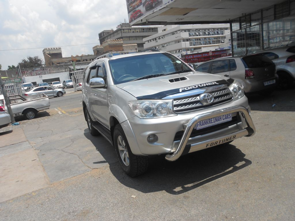 used-toyota-fortuner-2771678-3.jpg