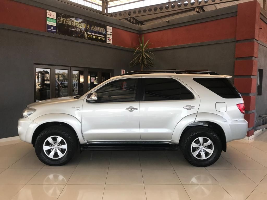 used-toyota-fortuner-2775360-2.jpg