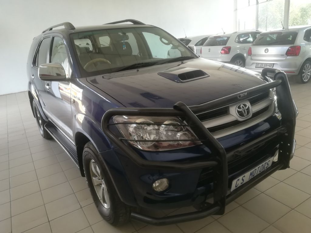 used-toyota-fortuner-2929864-3.jpg