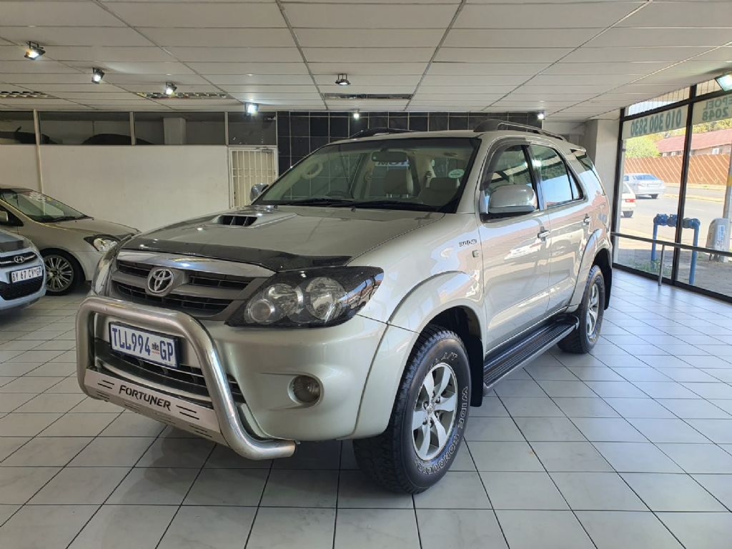 used-toyota-fortuner-3056961-10.jpg