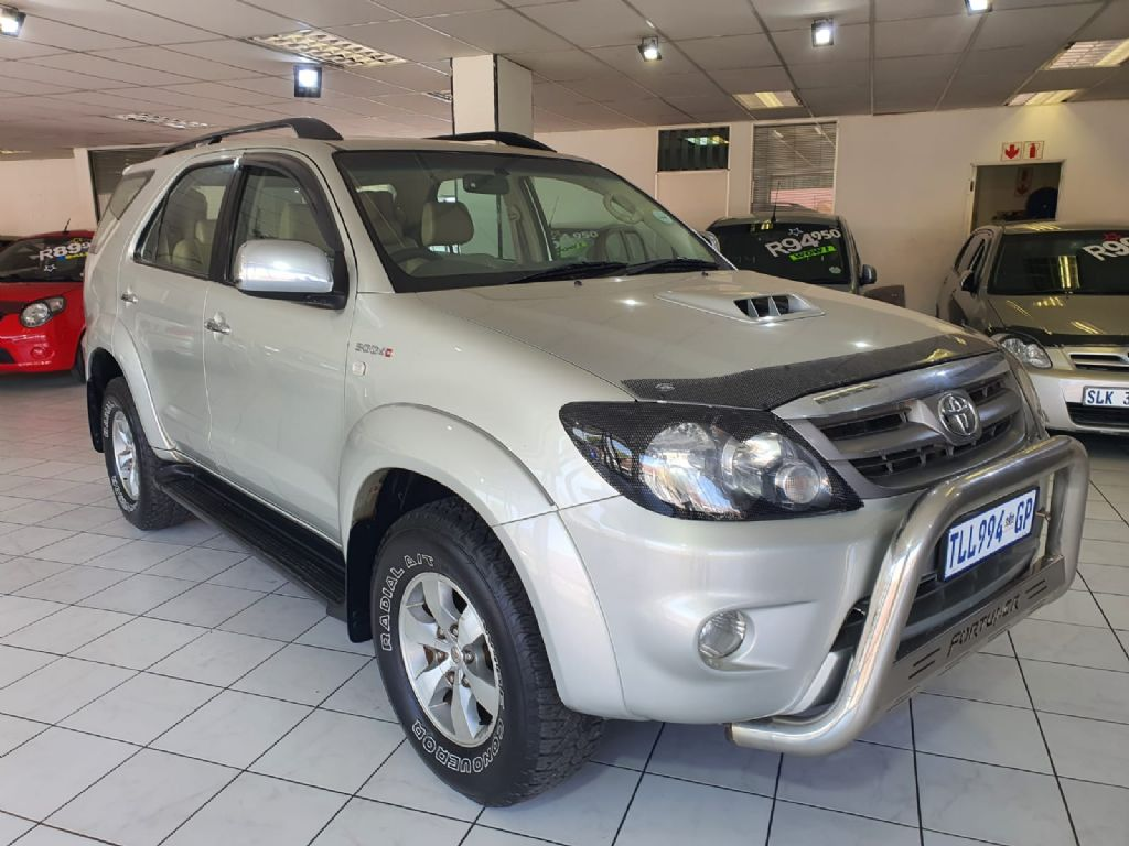 used-toyota-fortuner-3056961-2.jpg