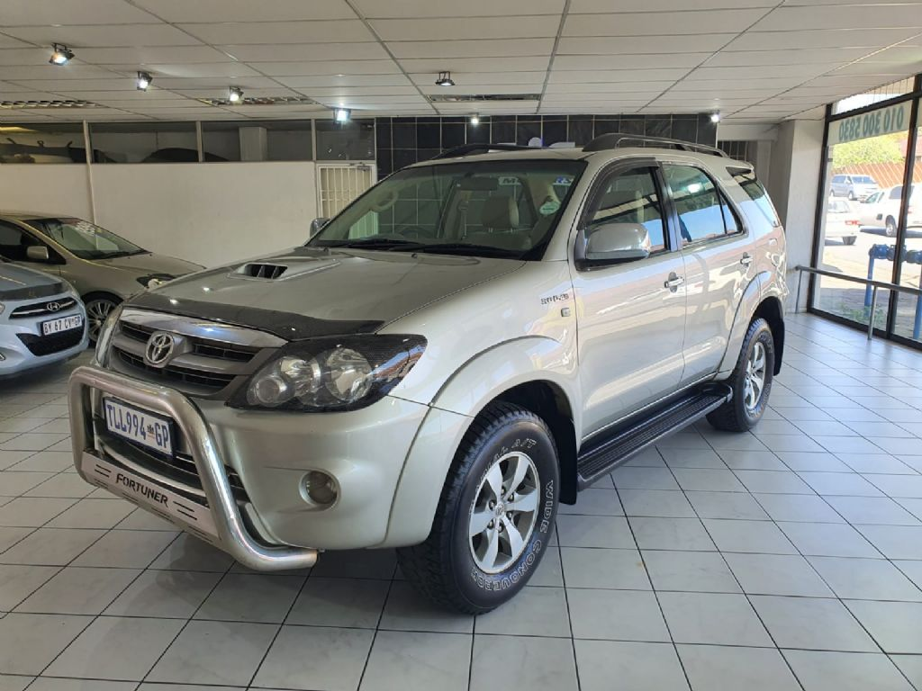 used-toyota-fortuner-3056961-3.jpg