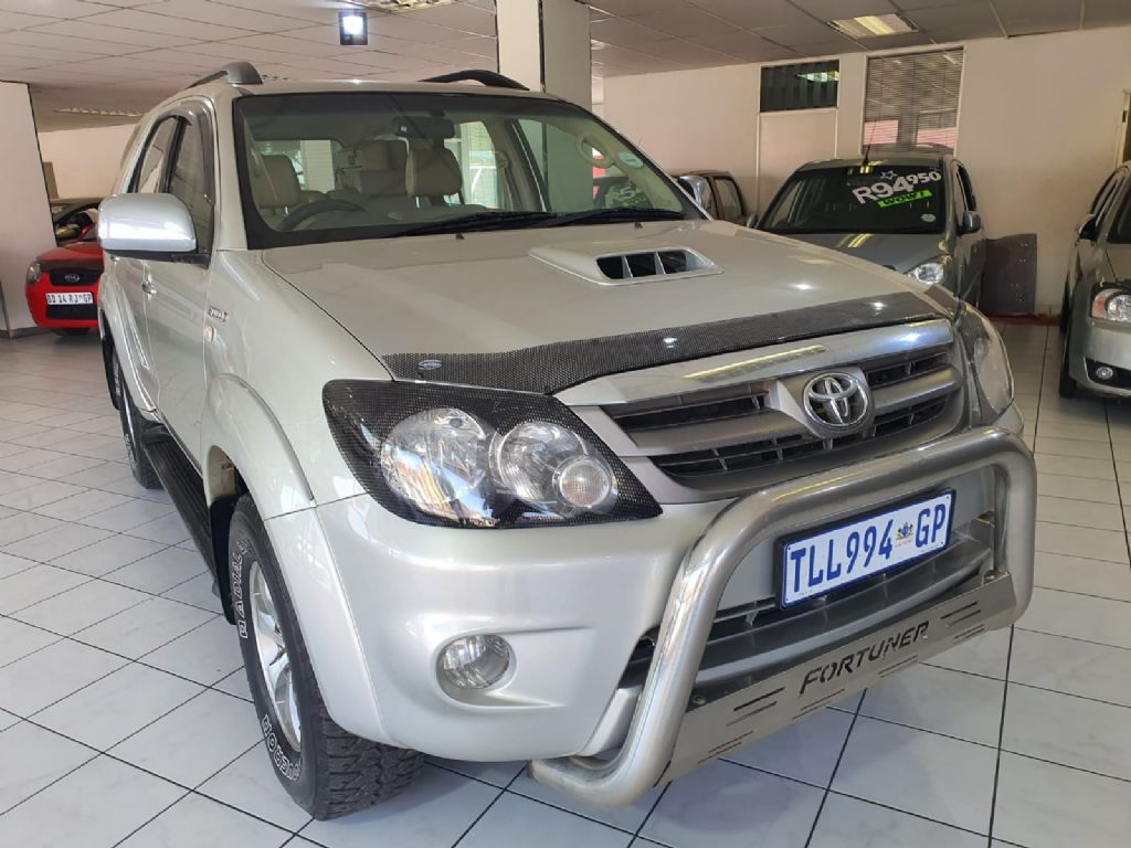 used-toyota-fortuner-3056961-9.jpg