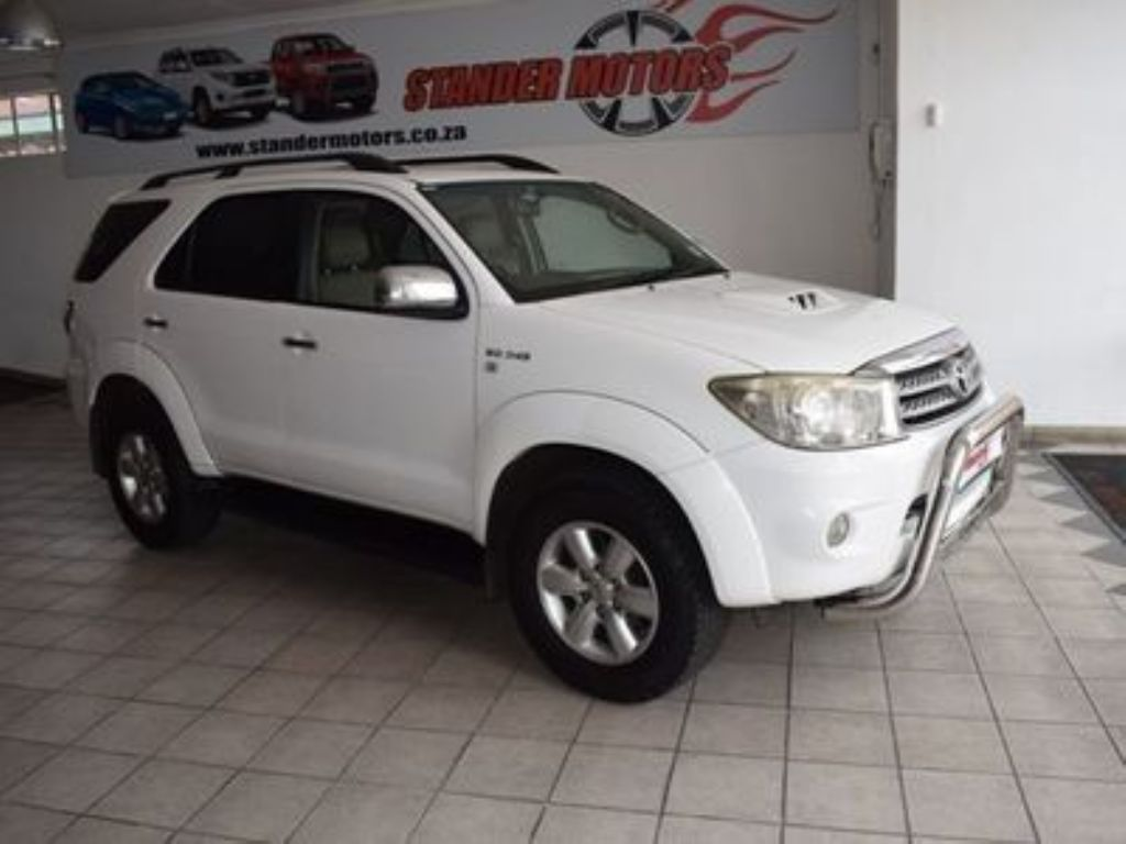 used-toyota-fortuner-3085984-1.jpg