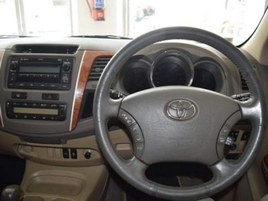 used-toyota-fortuner-3085984-10.jpg