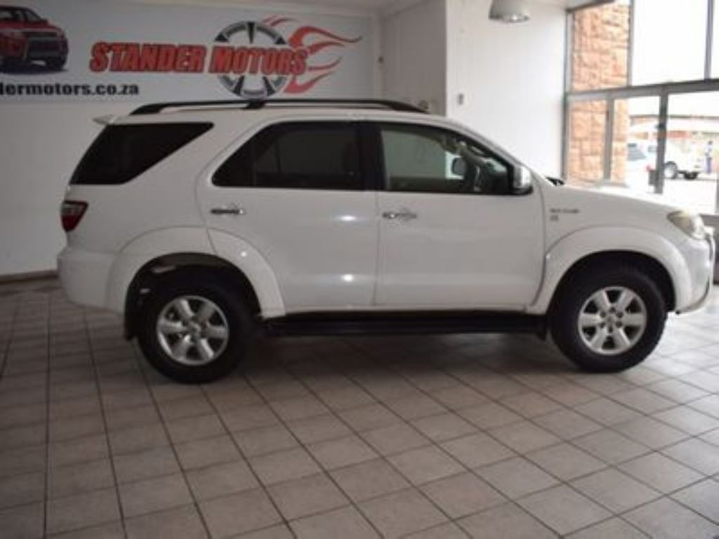 used-toyota-fortuner-3085984-2.jpg