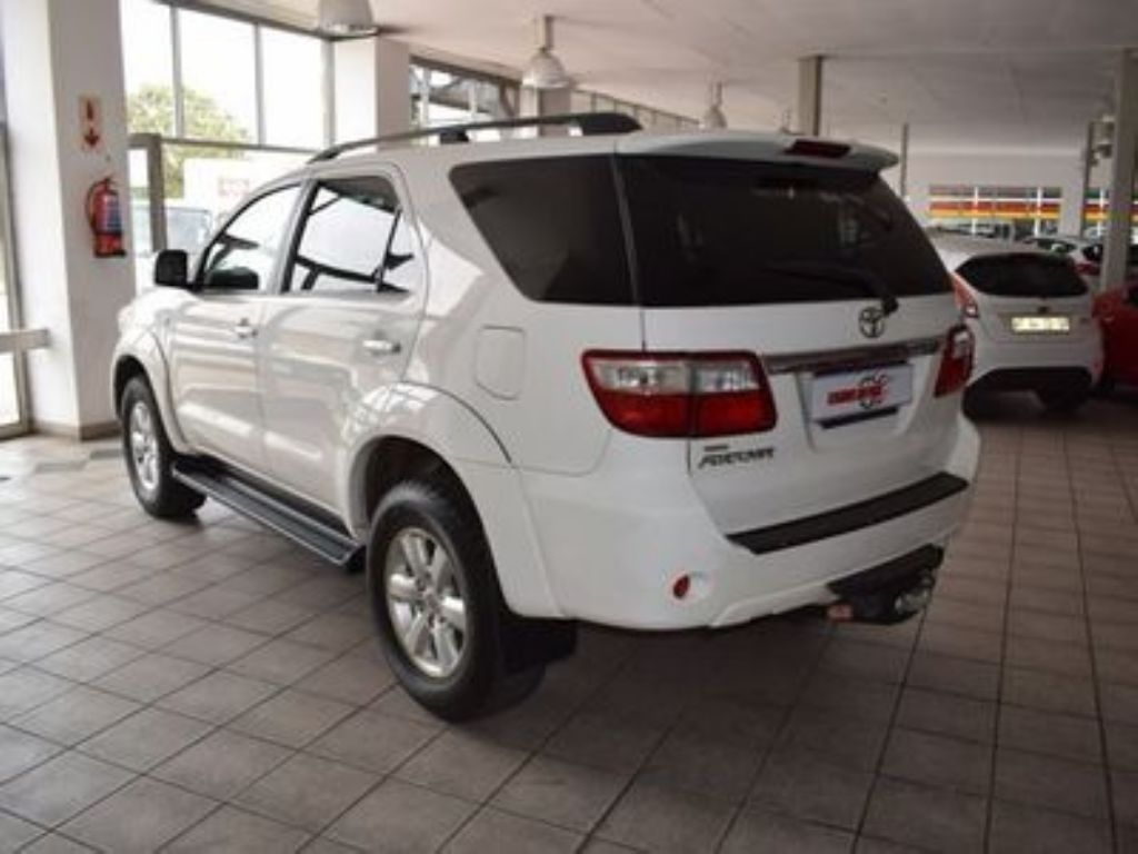 used-toyota-fortuner-3085984-5.jpg