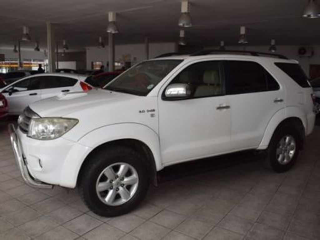 used-toyota-fortuner-3085984-6.jpg