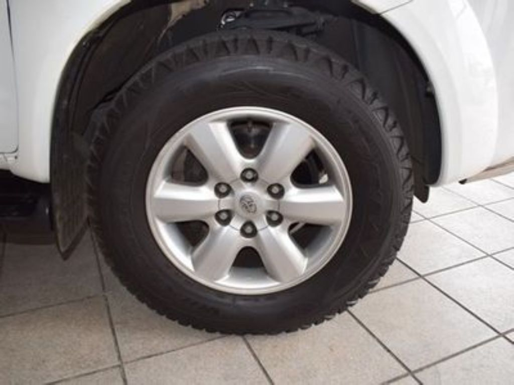 used-toyota-fortuner-3085984-7.jpg