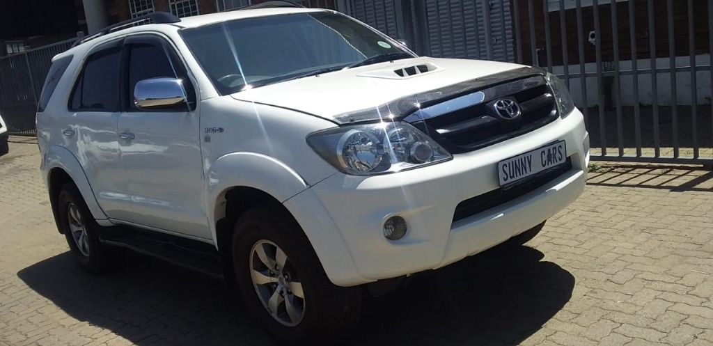 used-toyota-fortuner-3094132-4.jpg