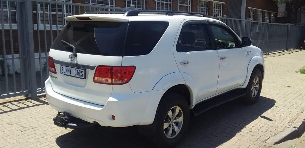 used-toyota-fortuner-3094132-5.jpg