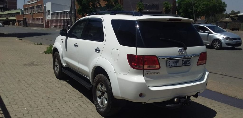 used-toyota-fortuner-3094132-7.jpg