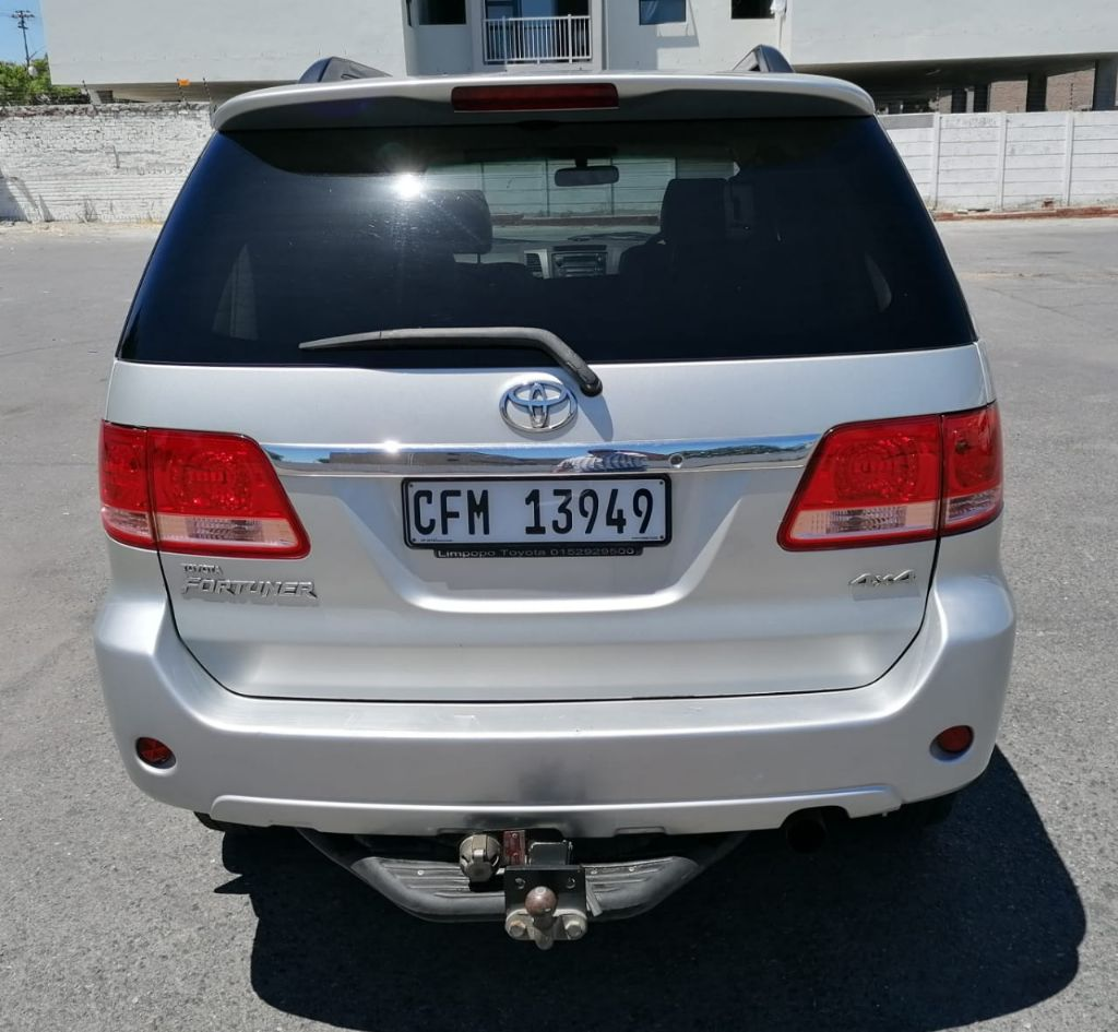 used-toyota-fortuner-3240502-2.jpg