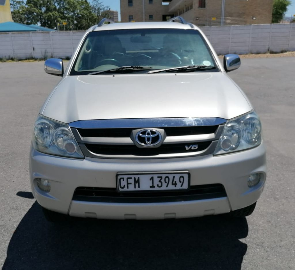 used-toyota-fortuner-3240502-6.jpg