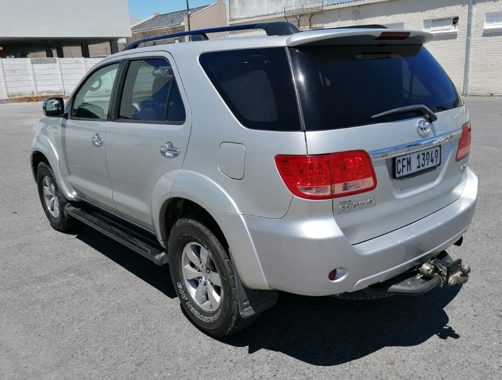 used-toyota-fortuner-3240502-8.jpg
