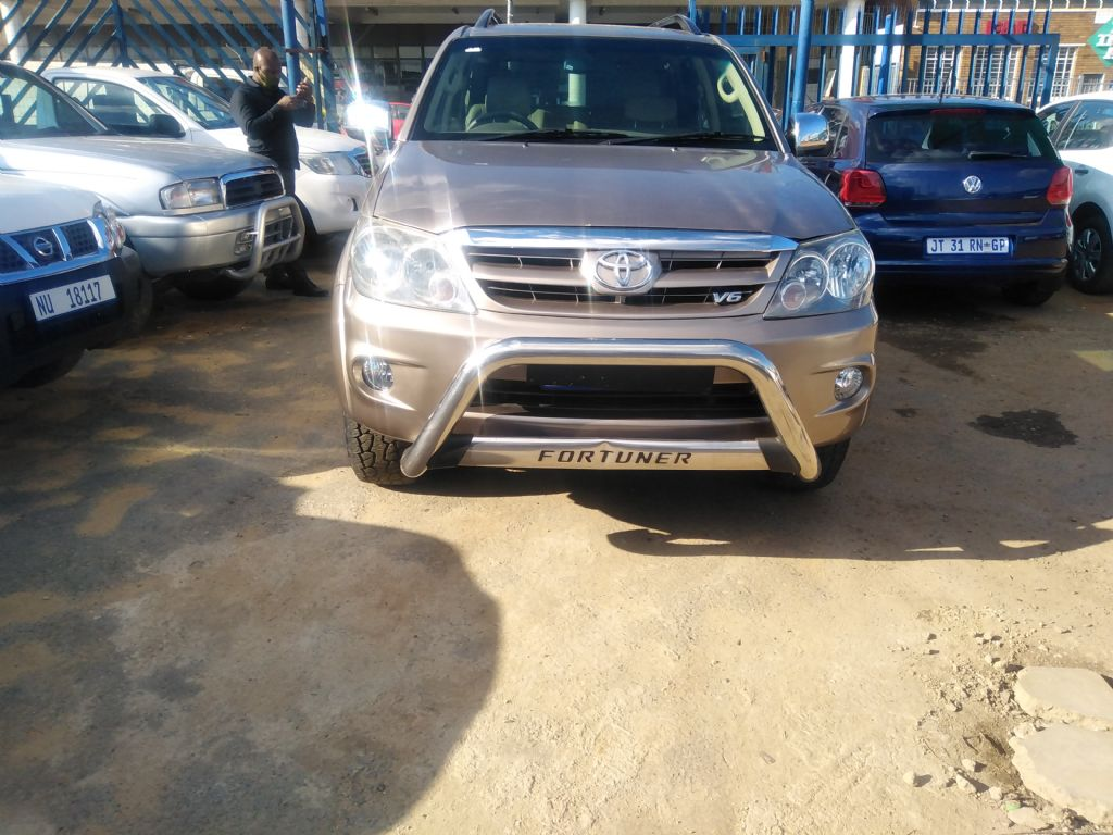 used-toyota-fortuner-3253062-1.jpg