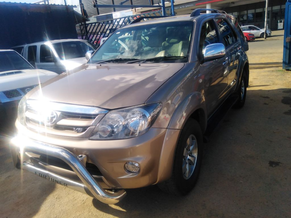 used-toyota-fortuner-3253062-3.jpg