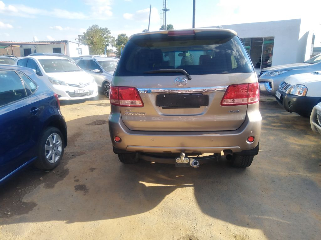 used-toyota-fortuner-3253062-4.jpg
