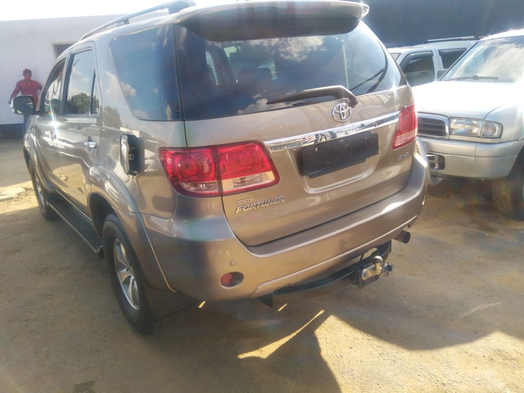 used-toyota-fortuner-3253062-5.jpg