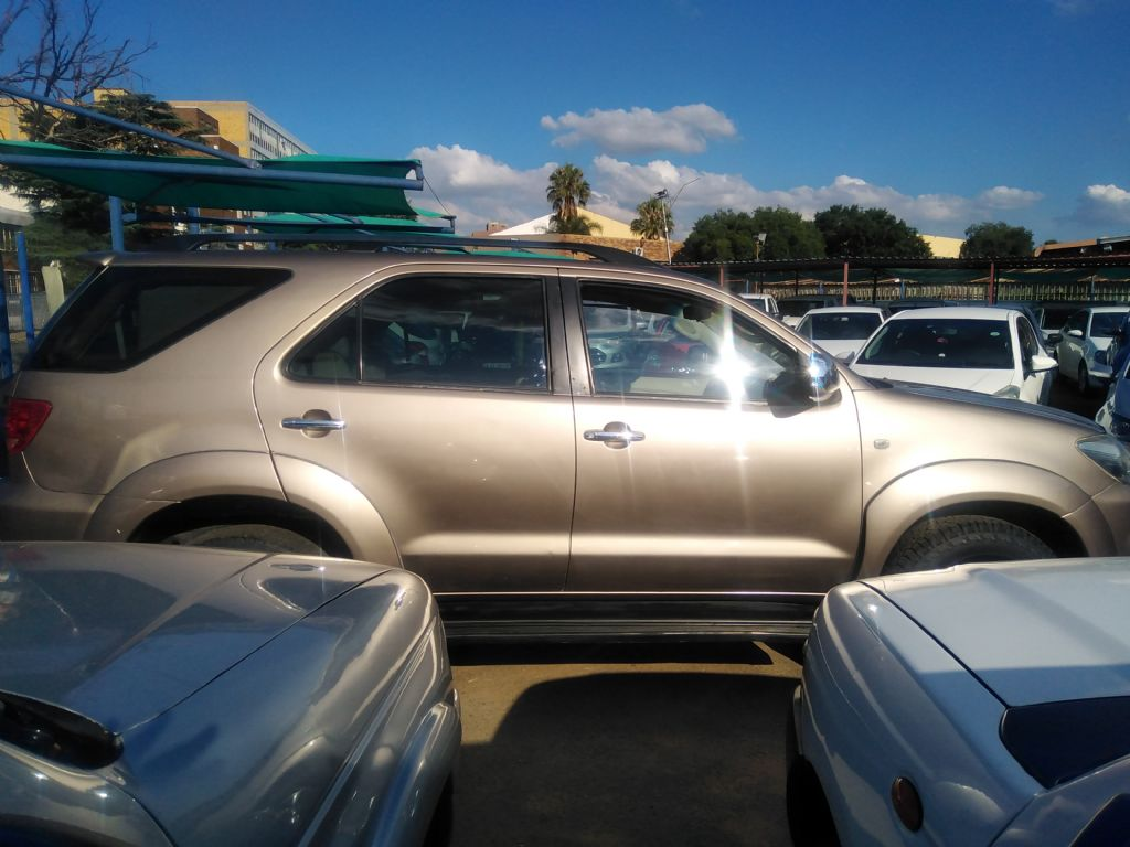 used-toyota-fortuner-3253062-7.jpg