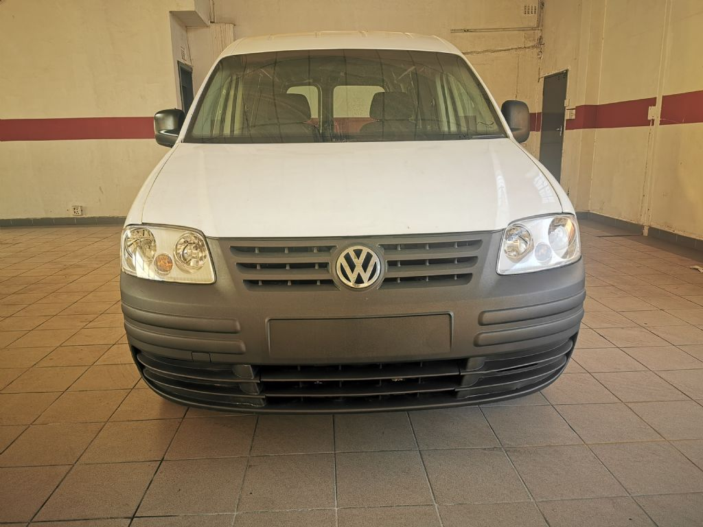 used-volkswagen-caddy-2934855-2.jpg